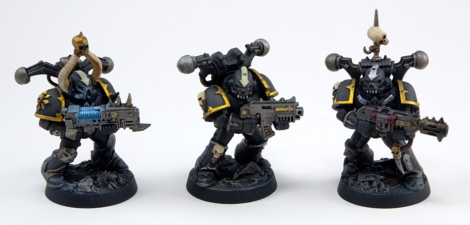Proper Photos of My First Chaos Space Marine Squad (3/4)