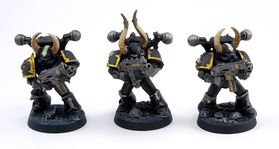 Proper Photos of My First Chaos Space Marine Squad (2/4)